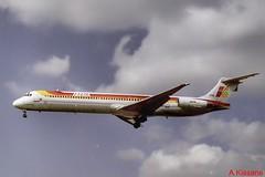 IBERIA MD-88 EC-FHG (Adrian.Kissane) Tags: sky london plane outdoors flying heathrow aircraft 1999 airliner lhr iberia md88 53194 ecfhg jet aeroplane landing