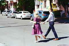 Rushing (to a wedding?) (titan3025) Tags: leica leicam6 m6 ultramax 400 kodak kiev 2019