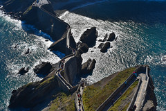 San Juan de Gaztelugatxe, Euskadi (diegocarreraperez) Tags: san juan de gaztelugatxe ermita euskadi país vasco euskalherria basque country mar sea ocean océano atlantic atlántico verde azul piedra stone dragonstone colores roca dragón daenerys got escaleras stairway targaryen hbo landscape nature naturaleza paisaje light luz shine brillo