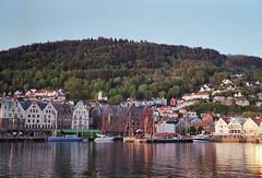 Bryggen Bergen (Steinskog) Tags: norway analog mediumformat fujifilm bergen pro400h fujigw690iii