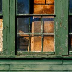 barn geometry, waterford (jtr27) Tags: dscf2252xl jtr27 fuji fujifilm xt20 minolta rokkor rokkorpf 55mm f17 manualfocus barn window green waterford maine geometry reflection decay
