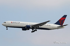 N140LL (320-ROC) Tags: deltaairlines delta n140ll boeing767 boeing767300 boeing767332 boeing 767 767300 767332 b763 klax lax losangelesinternationalairport losangelesairport losangeles california