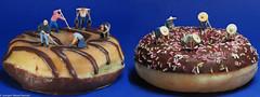 Tiny People - Donuts trimming Contest (J.Weyerhäuser) Tags: 187 donut food h0 holydonuts preiser tinypeople