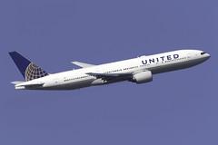 United Airlines 777-200ER N782UA at London Heathrow LHR/EGLL (dan89876) Tags: united airlines boeing 777 b772 777200er 777222er n782ua london heathrow international airport takeoff 09r lhr egll