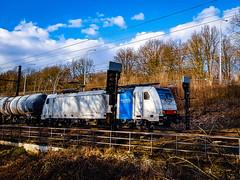 LINΞΛS 186 454 met keteltrein @ Diest (Avinash Chotkan) Tags: lineas traxx bombardier br186 gatx trains belgium nature cargo