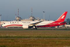 B-1112 (Andras Regos) Tags: aviation aircraft plane fly airport bud lhbp spotter spotting landing shanghaiairlines boeing 787 b789 787dreamliner dreamliner 7879