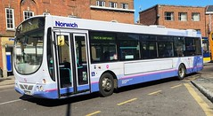 First Norwich 66348 is on Castle Meadow while not in service. - MV02 VDC - 1st April 2019 (Aaron Rhys Knight) Tags: firsteasterncounties firstnorwich 66348 mv02vdc 2019 castlemeadow norwich norfolk first volvob7l wrighteclipseb41f