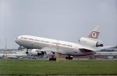 TC-JAY THY (Turk Hava Yollari) McDonnell Douglas DC-10-10 landing heavily on runway 28L at London Heathrow (heathrow.junkie) Tags: dc10 douglasdc10 thy turkhavayollari londonheathrow london tcjay yrtpa tu154 tupolev154 tarom