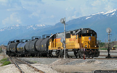 Where US&S Meets GRS (jamesbelmont) Tags: unionpacific chevronlocal emd gp60 gp151 becks saltlakecity utah train railroad railway locomotive signal searchlight grs uss spur chevron wasatch