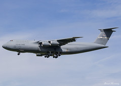 USAF C-5M 87-0044 (birrlad) Tags: stansted stn airport london uk aircraft aviation airplane airplanes arrival arriving finals landing runway military usaf airforce vip supoort donaldtrump visit state reach lockheed c5 galaxy c5m 870044 travis