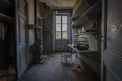 Château gramophone (guillaume_urbex) Tags: urbex abandonne decay manoir urban exploration gramophone meuble nikon tokina