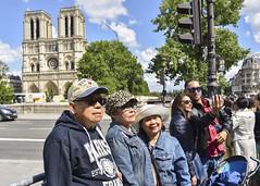 remember Paris (fred9210) Tags: recuerdo souvenir remember paris france tourist selfie