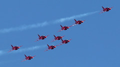 Guernsey Air Display 2019: The Red Arrows (cv880m) Tags: guernsey channelislands gb uk guernseyairdisplay 2019 aviation aircraft airplane jet fighter bae hawk raf rafa royalairforce smokeon airshow redarrows trainer military