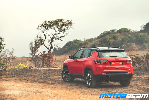 Jeep-Compass-Trailhawk-41