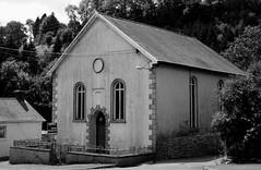 Troed-y-rhiw, Capel y Bedyddwyr, Cwm Duad (Rhisiart Hincks) Tags: bw duagwyn folamh tréigthe gadawedig dilezet abandoned baistigh baptists bedyddwyr badezourien troedyrhiw cwmduad carmarthenshire sirgaerfyrddin sirgâr church église eglwys eaglais iliz eliza salgai ardíol lereic àvendre dawerzhañ arwerth forsale
