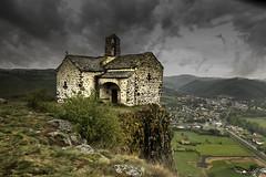 Chapelle ste Madeleine - Massiac - Cantal (imagene74) Tags: chapelle nuages paysage rocher auvergne massiac cantal groupenuagesetciel