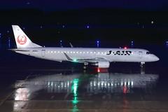 JA251J (Takuya Homma) Tags: 新潟空港 niigataairport niigata aviation airplane jal jair japanairlines embraer embraer170 ja251j