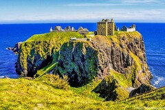Dunnottar Castle - Stonehaven Aberdeenshire Scotland - 17th May 2019 (DanoAberdeen) Tags: williamkeith stninian fortress fort middleages tourist 14thcentury 13thcentury medieval seascape outdoors freedom melgibson rockformation puddingstone northeast northsea water sea blue williamwallace nikond750 scottishhistory thekeith's jacobites silurian historicenvironmentscotland icon rock historicscotland ancient scotch scotland ruins aberdeenshire aberdeen stonehaven dunnottarcastle castleruins scottishcastle castle amateur candid 2019 danoaberdeen
