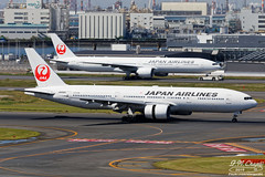 Japan Airlines [JL][JAL] / JA8985 / 777-246 / RJTT (starger64) Tags: airplane aircraft aviation boeing 777 hnd japanairlines hanedaairport 772 日本航空 777200 rjtt 東京国際空港 arlines 羽田機場 boeing777246 canoneos5dmarkiv eftc14xiii ef1004004556lisii jl8985