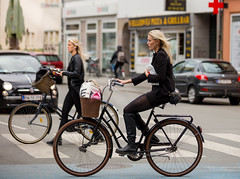 Copenhagen Bikehaven by Mellbin - Bike Cycle Bicycle - 2019 - 0061 (Franz-Michael S. Mellbin) Tags: accessorize bici bicicleta bicicletta biciclettes bicycle bike bikehaven biking copenhagen copenhagenbikehaven copenhagencyclechic copenhagencycleculture copenhagenize cycle cyclechic cycleculture cyclist cykel cyklisme denmark fahrrad fashion fiets people rower street sykkel velo velofashion vélo capitalregionofdenmark københavn köpenhamn kopenhagen hovedstad capital copenhague