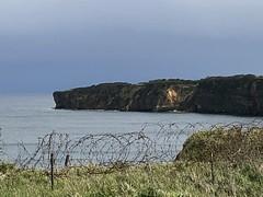 Pointe Du Hoc (Andreas Gugau) Tags: pointe du hoc normandy normandie frankreich france coast küste klippen meer ocean sea atlantik atlantic barb wire remains german defenses