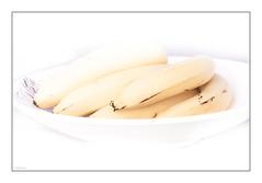 highkey dans l assiette 2/2 (Hélène Baudart) Tags: highkey bananes fruits