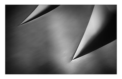 18 [titre les dents dangereuse] (Armin Fuchs) Tags: arminfuchs lavillelaplusdangereuse würzburg anonymousvisitor thomaslistl wolfiwolf jazzinbaggies residenz ceiling light shadow diagonal barock 35mm