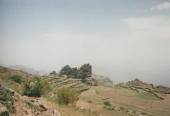 Village perché dans le Djebel Haraz (Jauss) Tags: yémen yéménite village montagne yemen اليَمَن jabalharaz djebel haraz