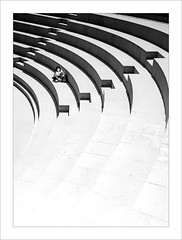 Graderies / Stands. (ximo rosell) Tags: ximorosell bn blackandwhite bw arquitectura architecture abstract abstracció stairs spain llum luz light people sagunto valencia