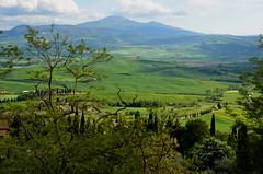 Panorama toscan à Pienza (RarOiseau) Tags: italie toscane vert paysage sommet printemps
