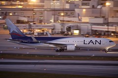 CC-BJA MIA 29.12.2018 (Benjamin Schudel) Tags: mia miami international airport florida usa boeing 767300 ccbja lan latam