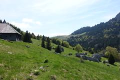 Chalets du Petet @ Hike around Roc de Four Magnin (*_*) Tags: lathuile sourcesdulacdannecy 74 hautesavoie france europe trail randonnee nature montagne mountain hiking afternoon may bauges spring printemps 2019 sentier walk marche annecy savoie