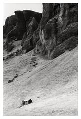 Foss á Síðu, Iceland (2019) (phamnes) Tags: blackandwhitefilm analogfilm sigmalens ishootfilm spring fossasidu iceland epsonv600 135film 35mmfilm 35mm slr xtol rpx25 rollei nikonf5 nikon