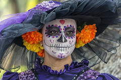 La Catrina (_aires_) Tags: aires iris catrina outskirtsofmexicocity hat flowers skull paintedface costume woman portrait canoneos5dmarkiii canonef70300mmf456isusm mexico