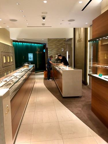 Rolex store in Las Vegas - no steel sports watches 5/2019