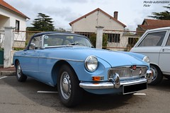 MG B (Monde-Auto Passion Photos) Tags: voiture vehicule auto automobile mg cabriolet convertible roadster spider bleu blue turquoise ancienne classique collection rassemblement france courtenay