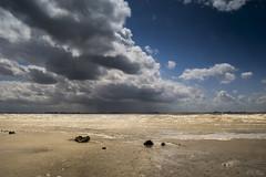 Waarde (Omroep Zeeland) Tags: westerschelde waarde slik wolken wolkenlucht regenbui regenwolk