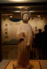 Tang Pottery Lady Figurine (joeychiu) Tags: 唐仕女俑 tang pottery lady figurine 台北故宮博物院 fujifilm xt100 zeiss touit 32mm f18