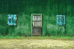 Maison La Forêt (Clém VDB / Tiogris) Tags: old decay abandoned maison house abandoné green vert minimal fenêtre window porte door composition dilapidated délabré