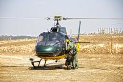 5566 (fpizarro) Tags: batalhãoderadiopatrulhamentoaéreo comandoderadiopatrulhamentoaéreo corpaer policiamilitardoestadodeminasgerais pmmg corpodebombeirosmilitaresdeminasgerais cbmmg fundadoem1987 semad eurocopter helicópetro helibras esquilo esquilo350asb2 avião aeronave veículo transporte pretoebranco pb aoarlivre céu pégasus ief guará operaçõespolicias operaçõesderesgate operaçãodetransportedevítimas treinamento treinamentodecombateaincêndio incêndio treinamentoderegatedevitimas represavárzeadasflores drone contagem belohorizonte bh minasgerais mg fpizarro