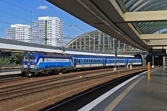 193 292 (René Große) Tags: eisenbahn train railways rail railroad reisezug eurocity lok lokomotive elok vectron 193 ell cd berlin ostbahnhof bahnhof bahnsteig deutschland germany