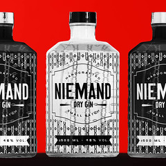 niemand-dry-gin-black-and-white-and-red (elmar theurer) Tags: gin tonic alcohol alkohol drink liquid glasses gintonic drinking cocktail getränk abstrakt abstract niemand popart red