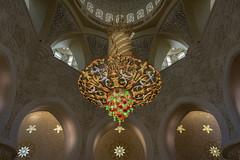 Faustig chandelier (tmeallen) Tags: faustigchandelier dome swarovskicrystals arches pillars glittering ledlights artistry huge sheikhzayedgrandmosque travel art architecture abudhabi unitedarabemirates uae