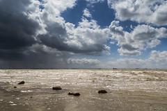 Waarde (Omroep Zeeland) Tags: westerschelde waarde slik wolken wolkenlucht scheepvaart sleephopperzuiger regenbui regenwolken