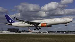LN-RKM_MIA_Landing_12 (MAB757200) Tags: scandinavianairlinessystem sas lnrkm eysteinviking aircraft airplane airlines airbus airport landing runway12 mia kmia sweden denmark norway