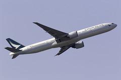 Cathay Pacific 777-300ER B-KPY at London Heathrow LHR/EGLL (dan89876) Tags: cathay pacific boeing 777 b77w 777300er 777367er bkpy london heathrow international airport takeoff 09r banking lhr egll
