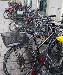 Impressionen aus Erlangen im Frankenland (Helmut44) Tags: deutschland germany bayern franken mittelfranken erlangen fahrrad parkplatz