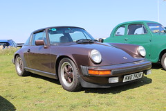 Porsche 911 Turbo KWO742W (Andrew 2.8i) Tags: show classic cars car classics meet westonsupermare weston sports air 911 super turbo german porsche coupe supercar sportscar 930 aircooled cooled