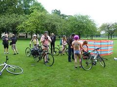 World Naked Bike Ride Edinburgh 2019 (14) (Royan@Flickr) Tags: world naked bike rid edinburgh festival cycling public nudity nude bicycles wnbr 2019