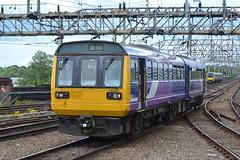 Northern Rail Class 142 142037 - Stockport (dwb transport photos) Tags: arriva northernrail pacer noddingdonkey dmu 142037 stockport